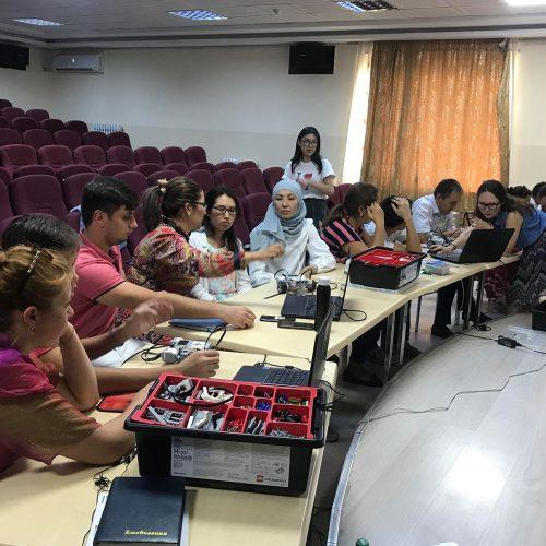 Школа преподавателей с основателем Лиги роботов