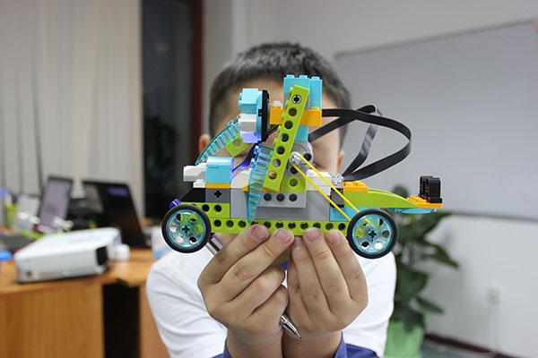 Чему научится ваш ребенок в секции Лига Роботов